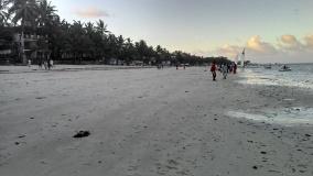 The white sandy beaches of Kenyan coastline