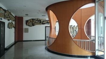 Corridor of painting